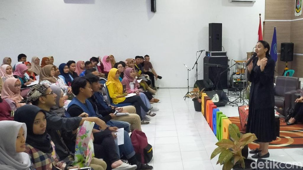 Ini  Jurus-jurus Singkat dari Putri Tanjung Menjadi Creativepreneur.