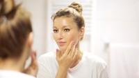 7 Perawatan Wajah Wanita Usia 40 Tahun ke Atas Menurut Ahli, Biar Awet Muda