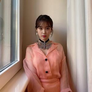 8 Inspirasi Gaya Idol Kpop yang Tren di 2021, Rose Blackpink Hingga Suho EXO