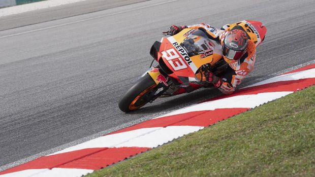 KUALA LUMPUR, MALAYSIA - FEBRUARY 08: Marc Marquez of Spain and Repsol Honda Team rounds the bend during the MotoGP Pre-Season Tests at Sepang Circuit on February 08, 2020 in Kuala Lumpur, Malaysia. (Photo by Mirco Lazzari gp/Getty Images)
