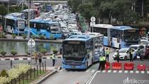 Polisi Telusuri TransJ Diduga Tabrak Lari Pemotor hingga Tewas di Jaktim