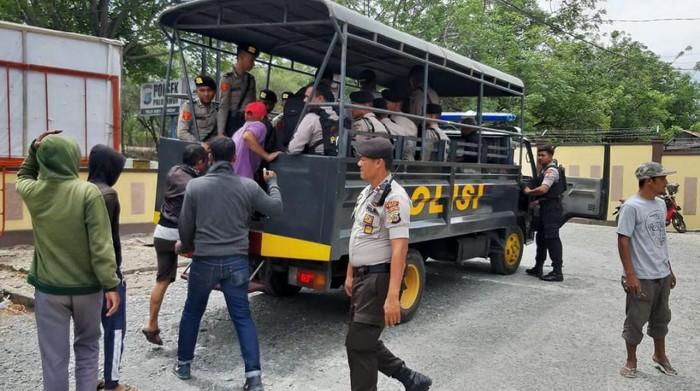 12 warga Talise, Palu, Sulteng, ditangkap karena hadang petugas (Dok. Polsek Palu Timur)