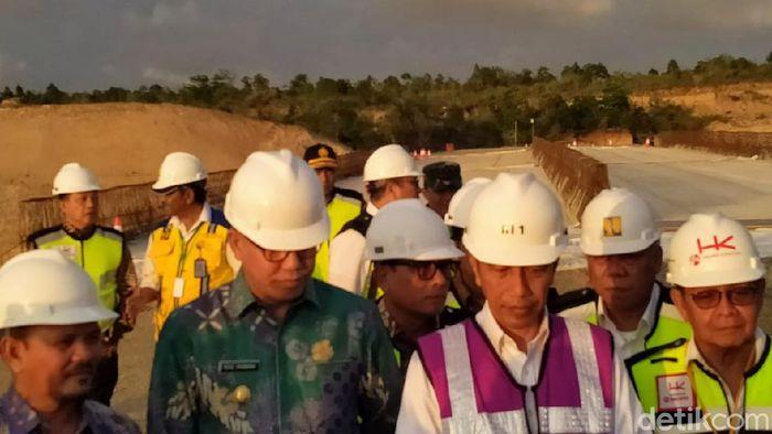 Presiden Jokowi tinjau proyek tol Banda Aceh-Sigli