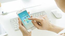 Kira-kira Begini Jadinya Kalau Instagram, Facebook, Twitter Sebuah Keluarga