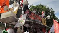 Di Mobil Komando, Orator Aksi 212 Teriak Jatuhkan Jokowi