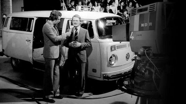 Adolf Kalberah bersama VW listrik