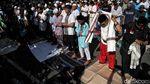 Massa Aksi 212 Salat Asar Berjemaah di Medan Merdeka Barat