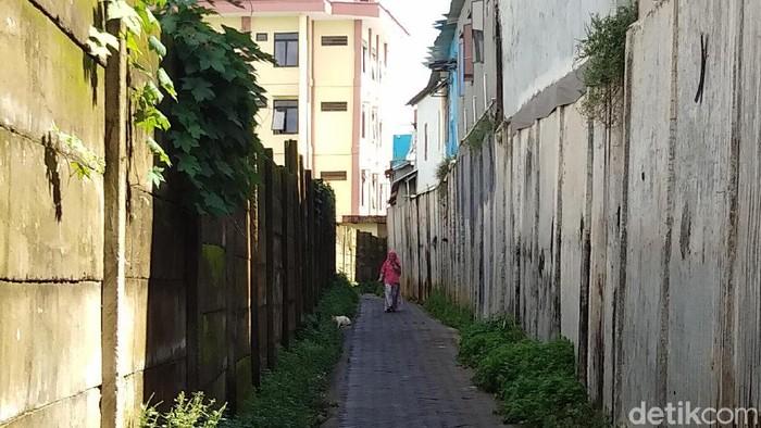 Gang sempit lokasi puluhan mahasiswi UIN Makassar jadi korban begal payudara (Hermawan Mappiwali/detikcom)