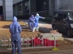 Viral Tangis Pilu Istri Direktur RS yang Meninggal karena Virus Corona
