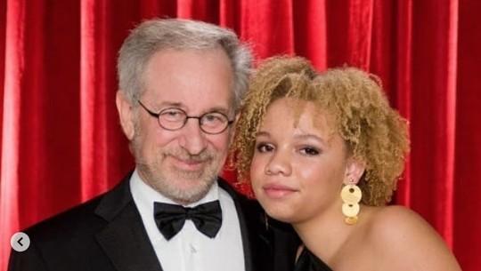 Ini Mikaela Spielberg, Putri Steven Spielberg yang Ingin Jadi Bintang Porno
