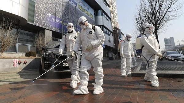 Baru-baru ini publik di Korea Selatan kembali dihebohkan dengan meningkatnya penyebaran virus Corona di salah satu kota besarnya, Daegu. Kota itu pun kini menjelma jadi kota hantu seperti Wuhan (Kim Jun-beom/Yonhap via AP)