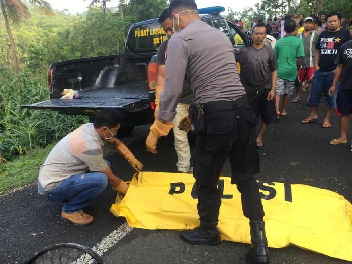 Evakuasi korban tewas tersetrum kabel putus di Gunungkidul