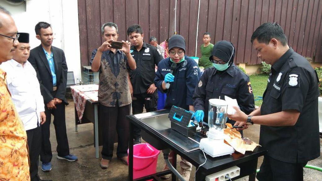 Polres Bekasi Blender Setengah Kilo Sabu Hasil Sitaan