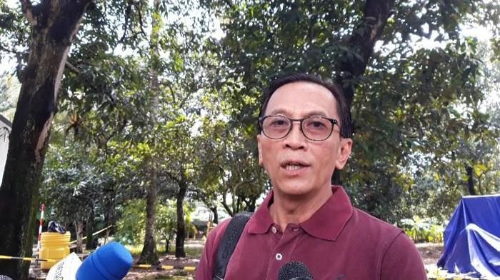 Pembersihan limbah radioaktif di Perumahan Batan Indah, Tangerang Selatan (Tangsel) diliburkan sementara. Pengerjaan tersebut akan dilanjutkan lagi pada Senin 24 Februari 2020.
