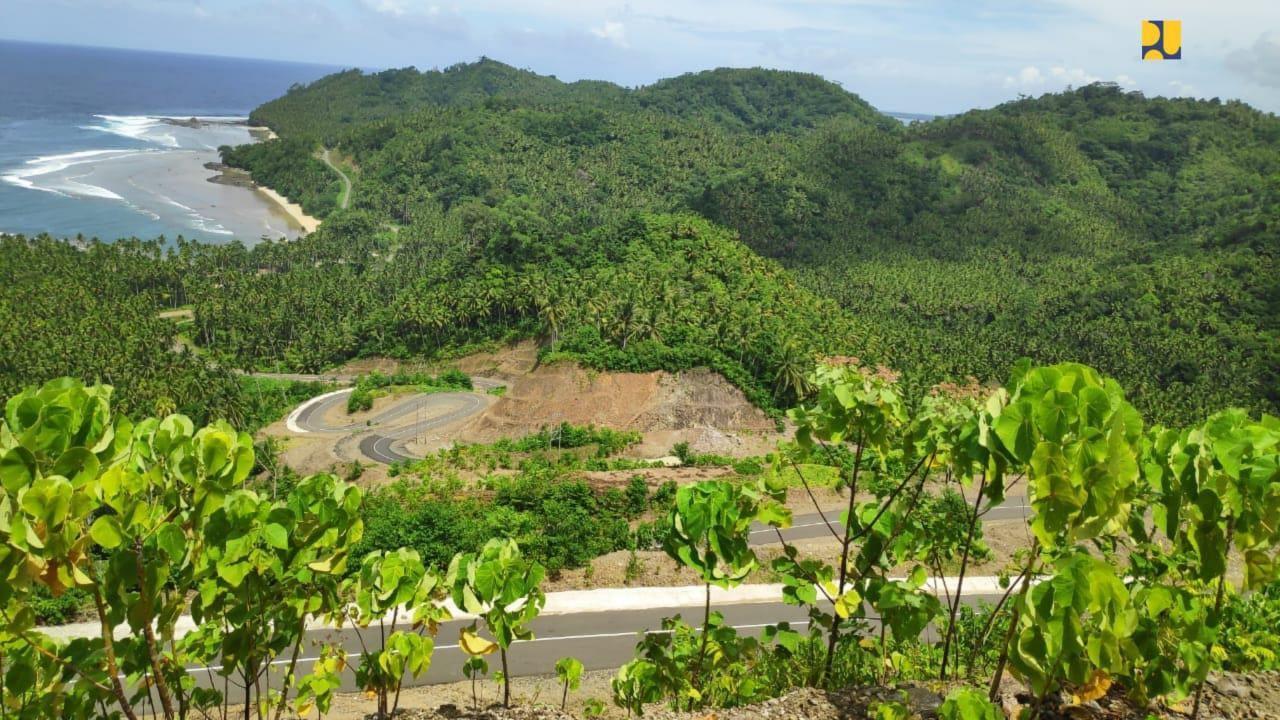 Jalan mulus di Morotai