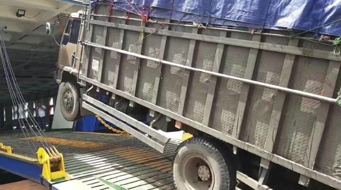 Truk ODOL/truk obesitas dilarang masuk pelabuhan