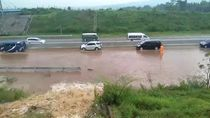 Cegah Saluran Irigasi Banjiri Tol Pandaan-Malang, Tanggul Ditinggikan