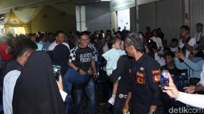 Bakal Calon Wali Kota Makassar Syamsu Rizal atau akrab disapa Deng Ical mengumpulkan jaringan komunitas relawannya untuk Pilwalkot Makassar 2020 (Dok. Istimewa)