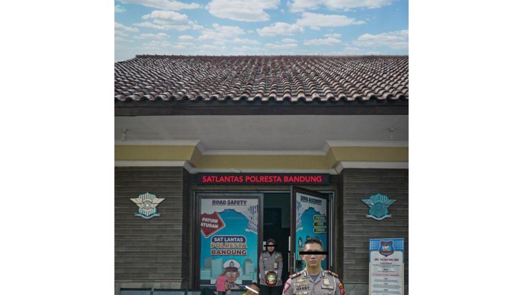 Cerita di Balik Pembuatan Poster Viral PARAHSIH Polisi Bandung