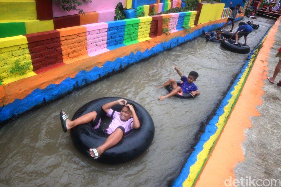 River Tubing di Irigasi Sumedang