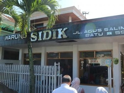 Rekomendasi Kuliner di Kota Batu, Jajallah Rawon di Warung Sidik