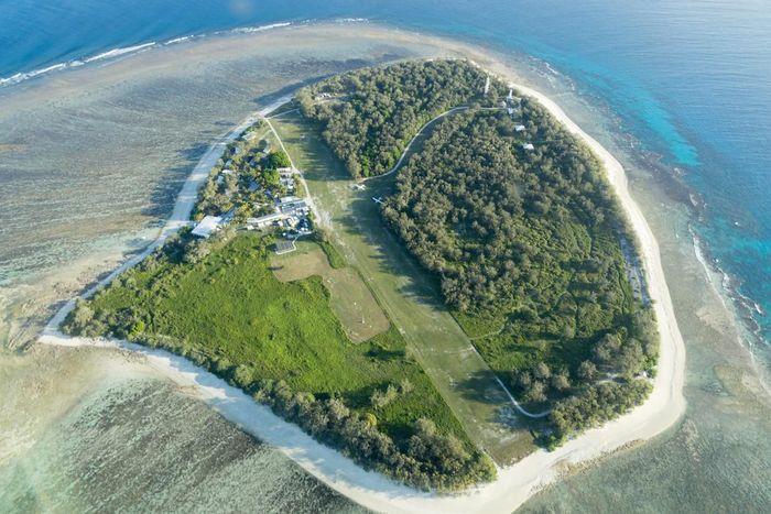 Aerial view of Lady Elliot Island in Queensland, Australia.