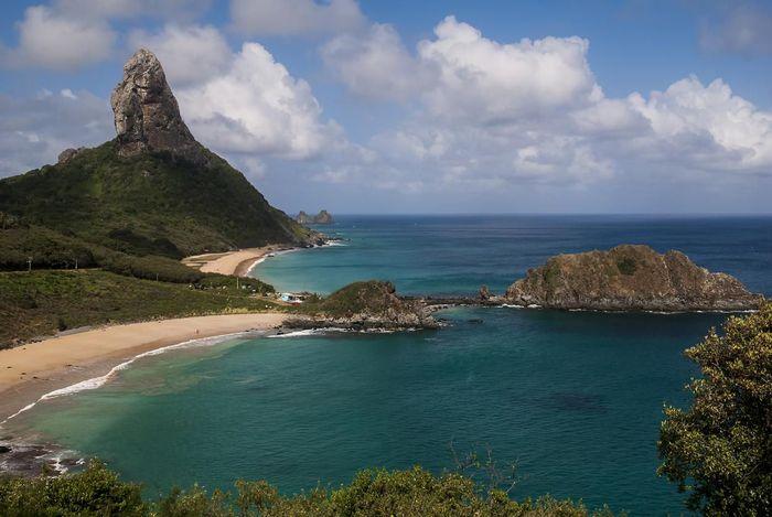 Morro do Pico e praias em Noronha