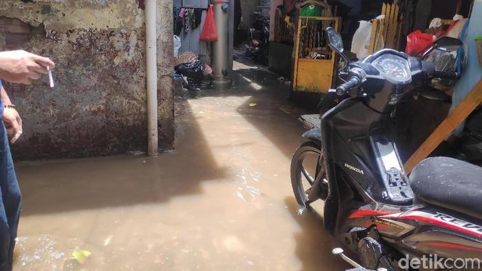 Sisa banjir di Jalan Anyer RT 013 Kelurahan Menteng, Jakpus (Matius Alfons/detikcom)