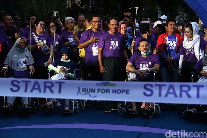 Sebanyak 3000 peserta ramaikan Run For Hope di Jakarta. Menpora Zainudin Amali turut meramaikan ajang lari untuk memperingati Hari Kanker Sedunia ini.