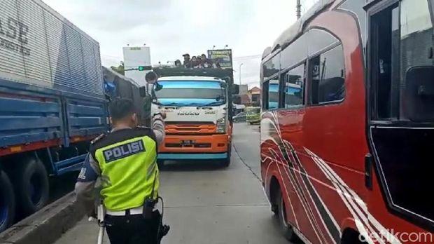 Polisi Pekalongan Razia 70 Anjal yang Sering Hadang Truk di Pantura