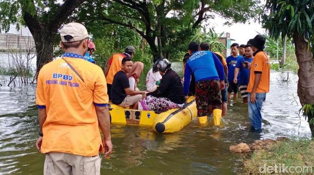 Limpasan Sungai Wulan Sebabkan Banjir di Kudus
