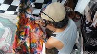 Mengunjungi Batike Lok Iwon, Tempat Pembuatan Batik Pesanan Raja Belanda