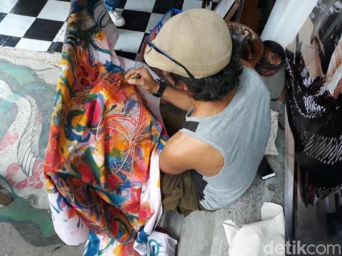 kemeja batik raja belanda