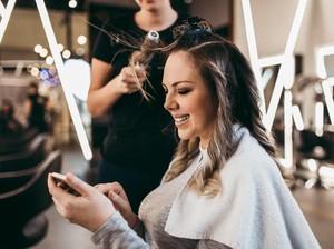 Heboh! Kasus Hairstylist Positif Corona, Sempat Potong Rambut 84 Orang