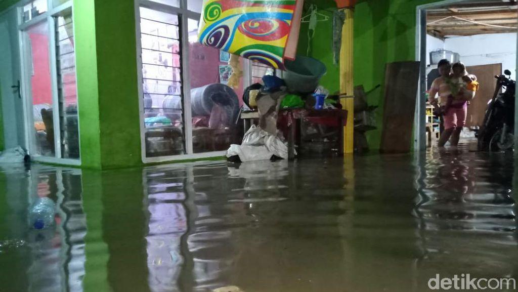 Sungai Meluap Akibat Hujan Deras 5 Jam, 7 Desa di Probolinggo Kebanjiran