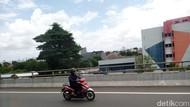 Jl Yos Sudarso Ditutup Akibat Banjir, Motor Boleh Masuk Tol