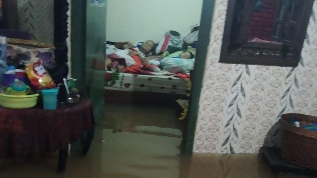 Hujan Guyur Jakarta, Pemukiman di Cipinang Pulomaja Kebanjiran