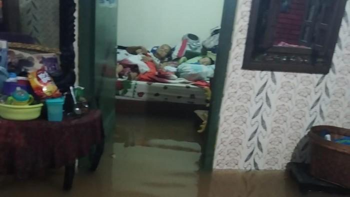 Kondisi banjir di Cipinang Pulomaja.
