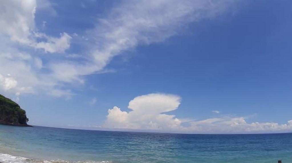 Pantai Virgin Bali yang Bikin Jatuh Hati