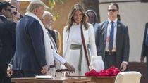 Gaya Elegan Melania Trump di India, Pakai Kain Mirip Songket