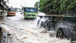 Banjir Masih Rendam KBN Cakung
