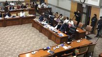 Momen Waka DPR Azis Syamsuddin Ikut Rapat Komisi III-Menkum HAM