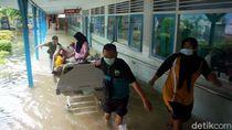 Pasien di RSUD Kraton Kota Pekalongan Dievakuasi Imbas Banjir