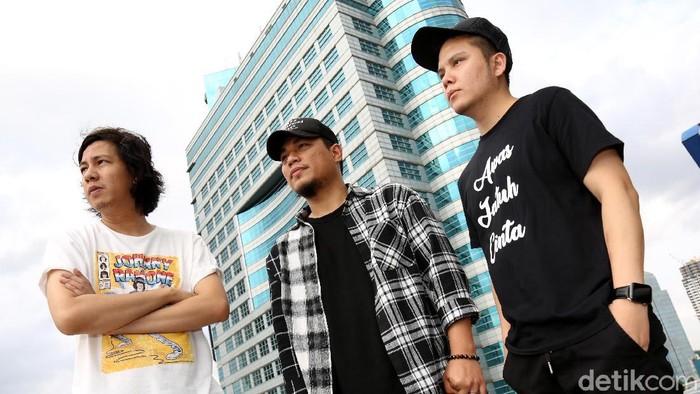 Armada Band
