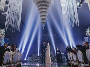 Pengantin Viral, Kue Pernikahannya Bikin Takjub, Digantung bak Lampu Kristal