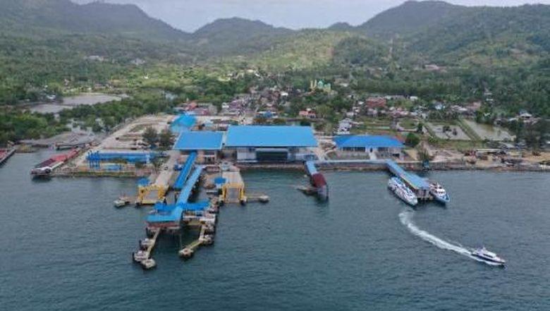 Dermaga apung yang menjadi tempat penambatan kapal cepat di Pelabuhan Balohan, Sabang, Aceh jebol diterjang badai (dok. Istimewa)