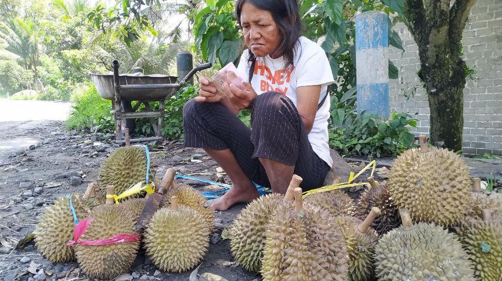 Jatim Hari Ini: Penjual Durian Dapat Uang Palsu-Pria Sebar Video Mesum