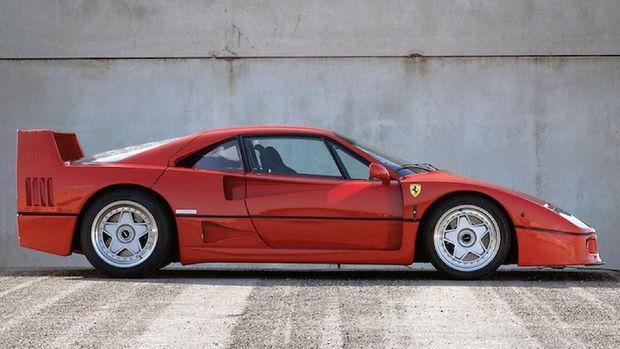 Ferrari F40 diproduksi tahun 1987 sampai 1992