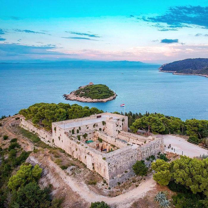 Restoran Kastil Kroasia