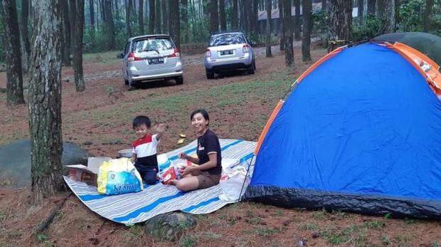 Tempat kemping di Bogor.